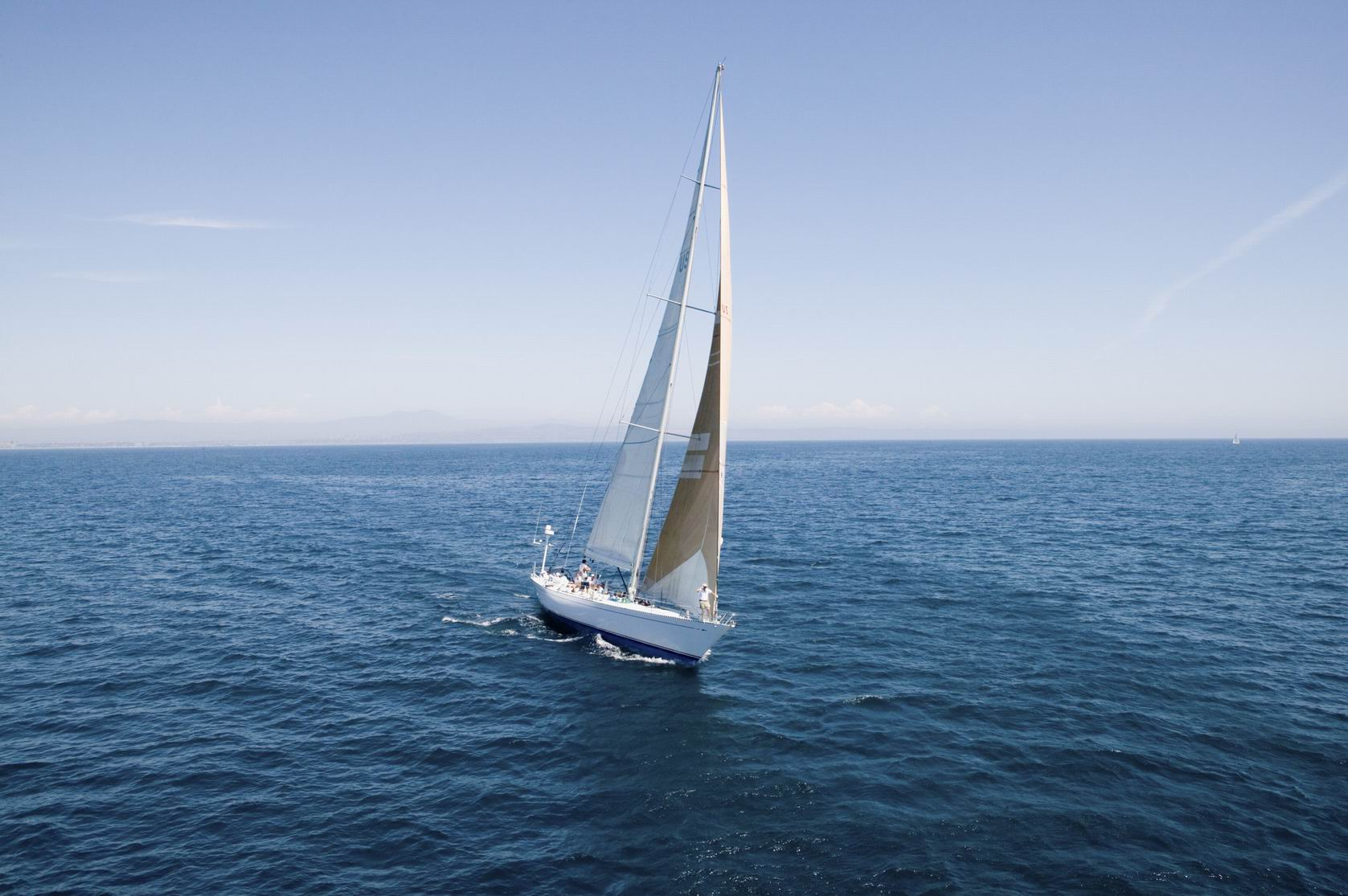 Hillarys Yacht Club offers free children's sailing day