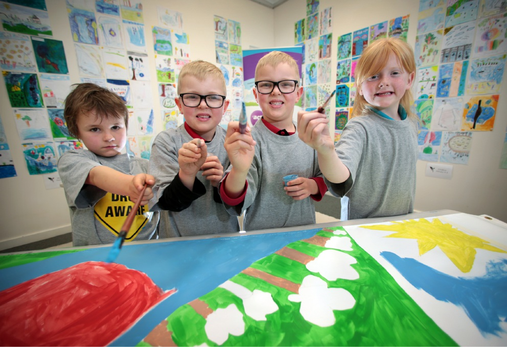 Jack Phillips (7), Cash Taylor (6), Chase Taylor (6) and Grace McLeod (7)  take part in the project. Picture: David Baylis    d458497