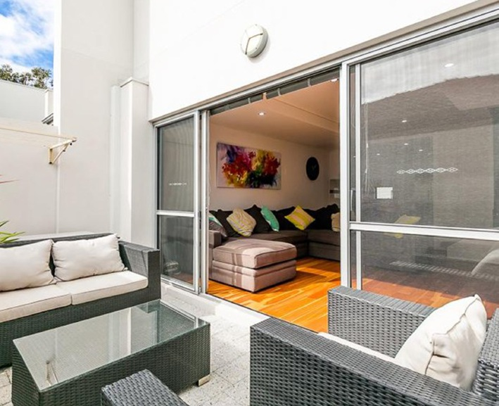 Doubleview, 2/216 Flamborough Street – From $479,000