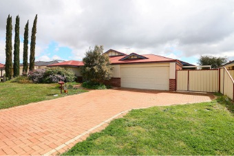 Canning Vale, 13 Bridge Road – $635,000