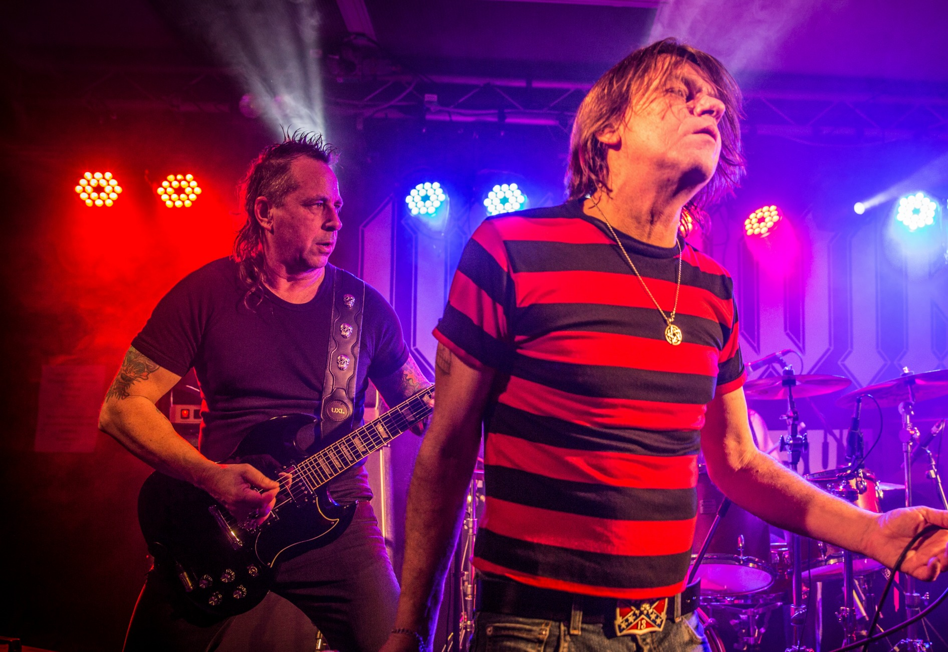AC DC tribute act LIVE WIRE to play Mt Hawthorn on Saturday: better than a mistress for Christmas