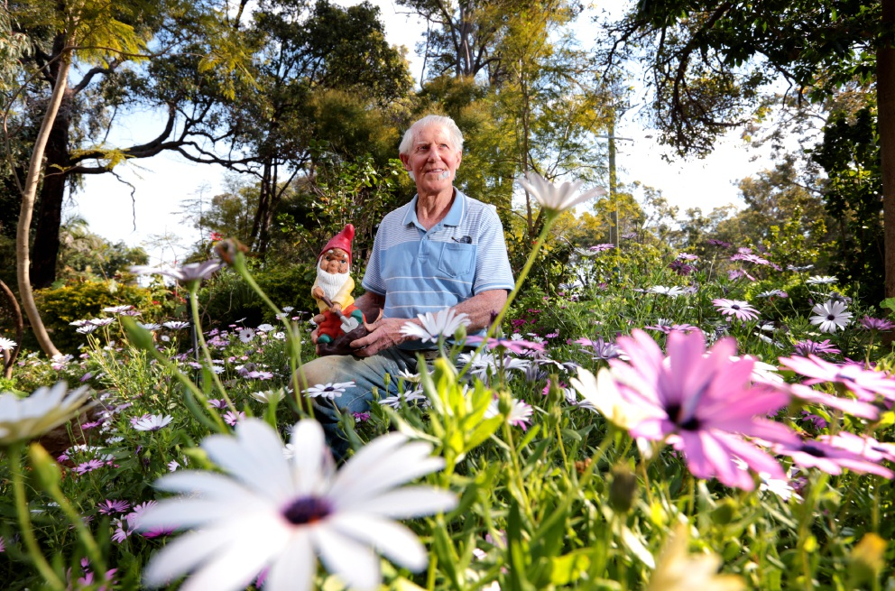 Tom Hogg gets his garden ready for the annual Open Garden fundraiser. Picture: David Baylis        www.communitypix.com.au   d459562