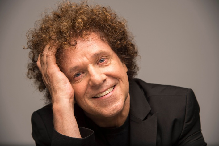 British pop star Leo Sayer will join Lulu on stage at Perth Concert Hall as part of a national joint tour.