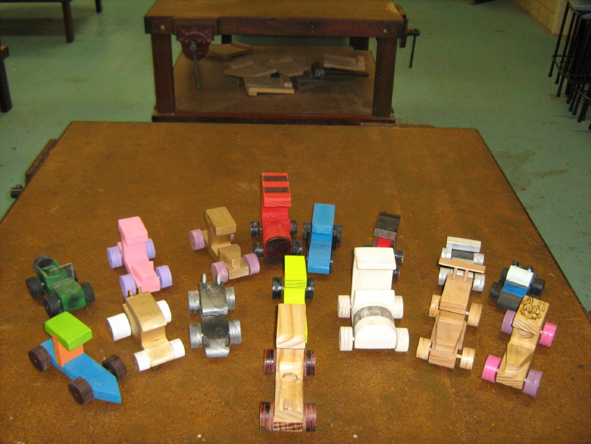 Mandurah Baptist College students make wooden toys for children