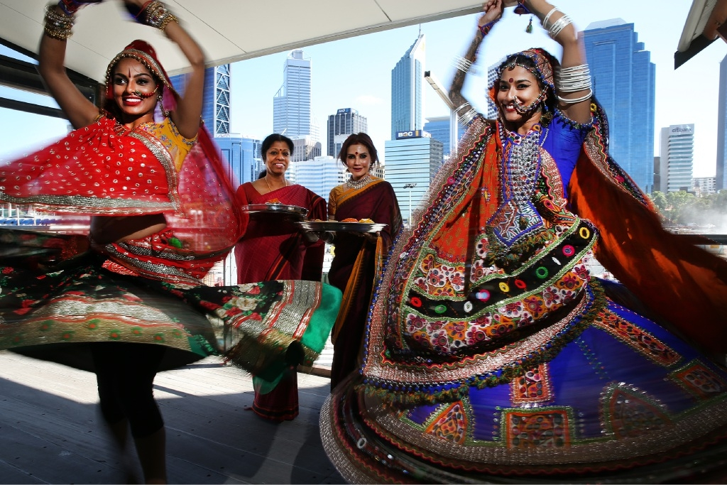Chandrika Ravi, Vasantha Rajendran, Sarasa Krishnan and Mayuri Rathakrishnan prepare for the Swan Festival of Lights. Picture: Andrew Ritchie        www.communitypix.com.au   d445084
