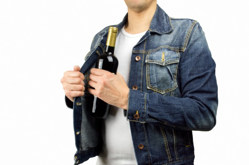 Booze thief caught after leaving phone at crime scene in Mandurah