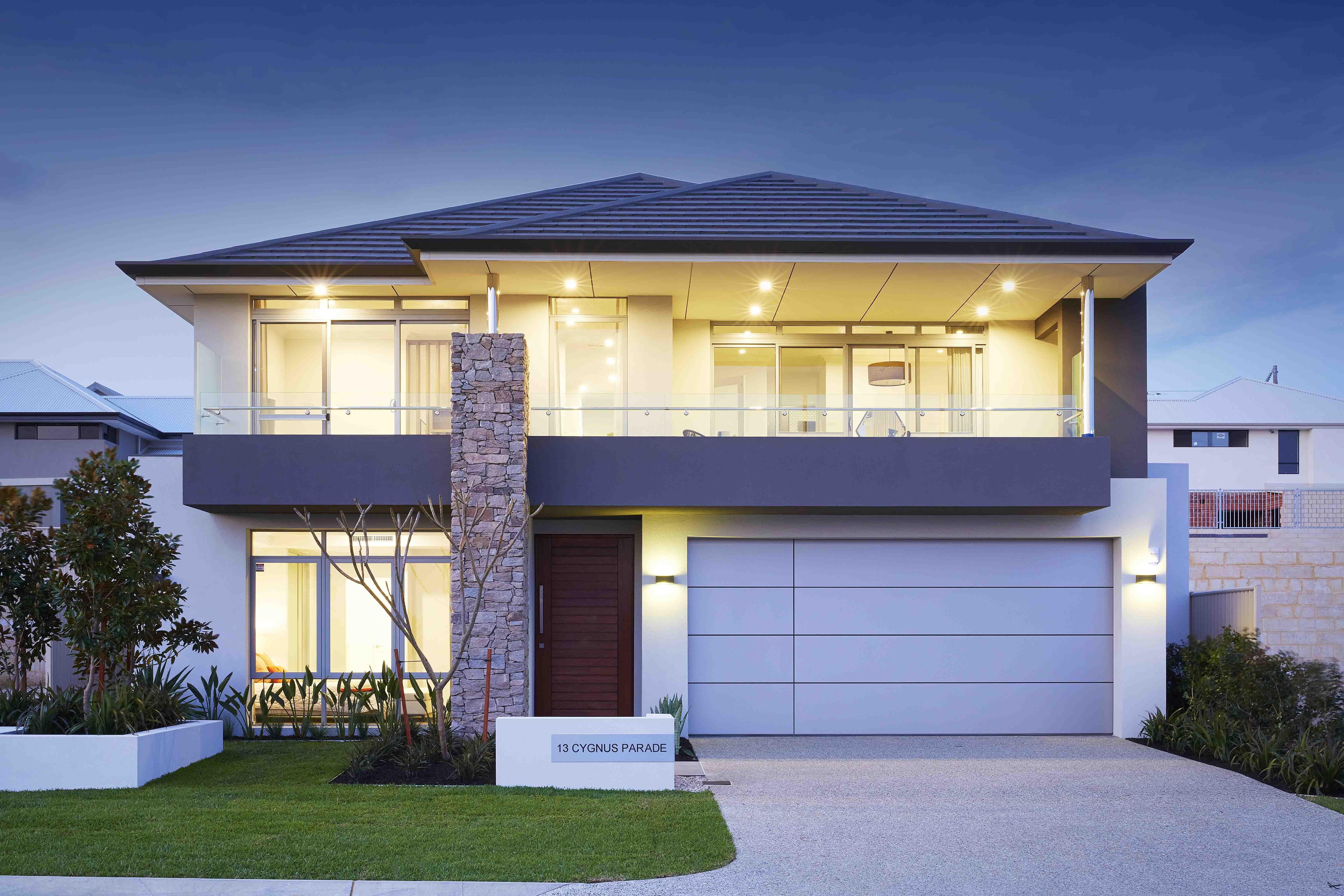 The 2014 Apealathon home in Manning featured the aluminium composite door by Garage Door Industries.