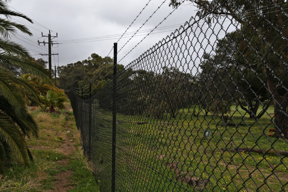 Sun City Country Club fence plan angers Yanchep residents