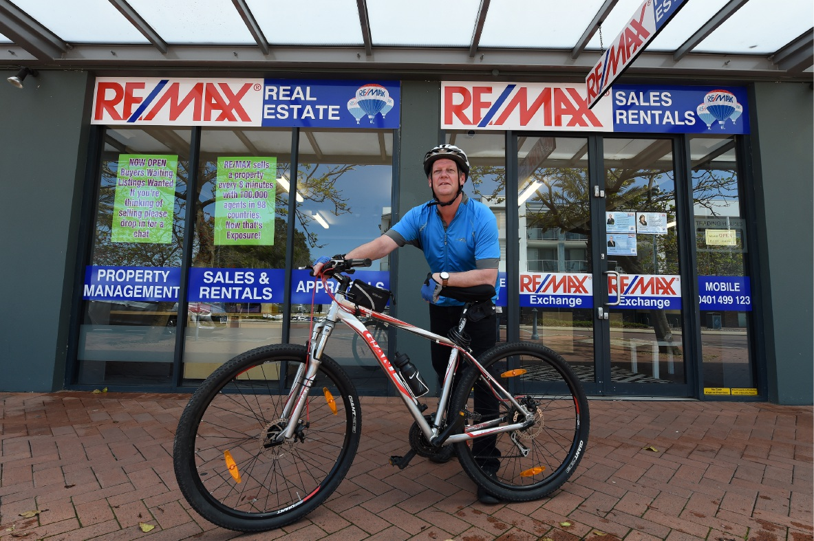 Rory Wishart says he's hoping to raise $1000 through his ride. Picture: Jon Hewson www.communitypix.com.au   d459828