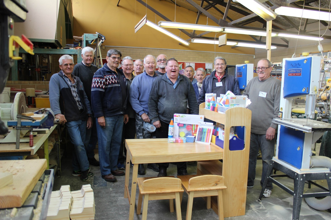 Mandurah Men's Shed members.