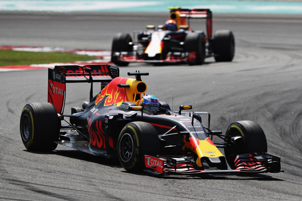 Daniel Ricciardo leads Max Verstappen  on track during the Malaysia Formula One Grand Prix. Picture: Mark Thompson/Getty Images