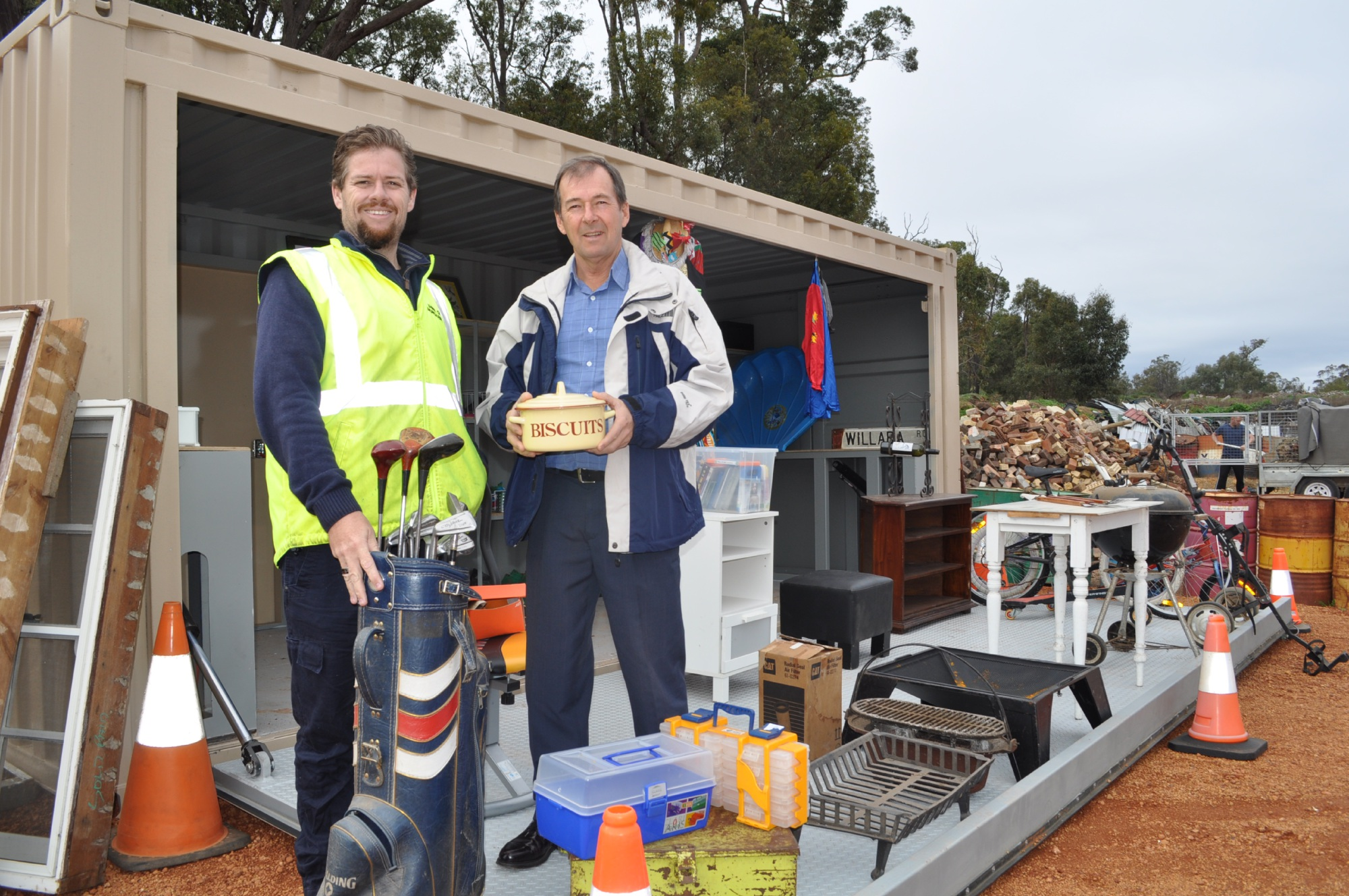 Waste and fleet co-ordinator John Gault with Shire President David Lavell at Grab n Go @ Mathieson, the new reuse shop.