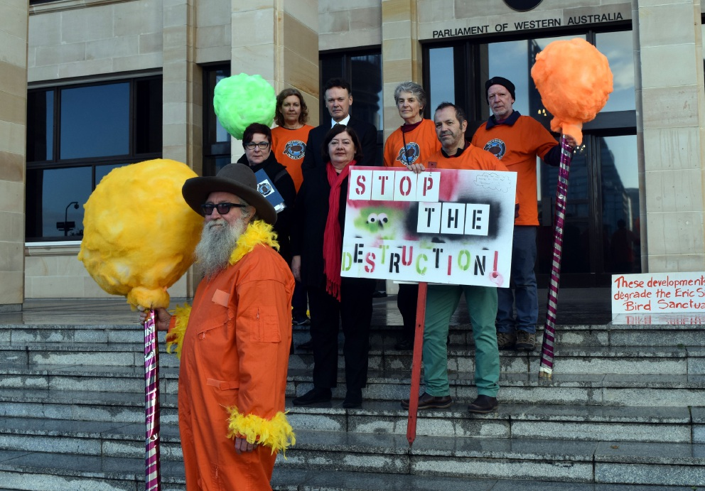 Bayswater residents take wetlands fight to Parliament House