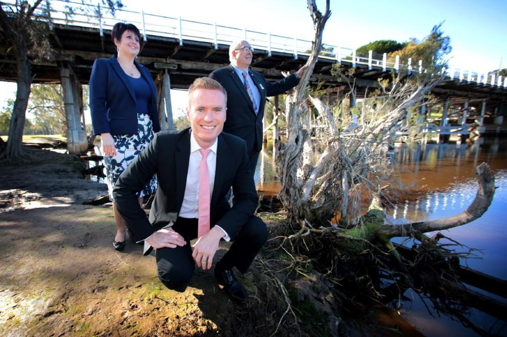 Roadside litter prevention trial unveiled along major WA highways