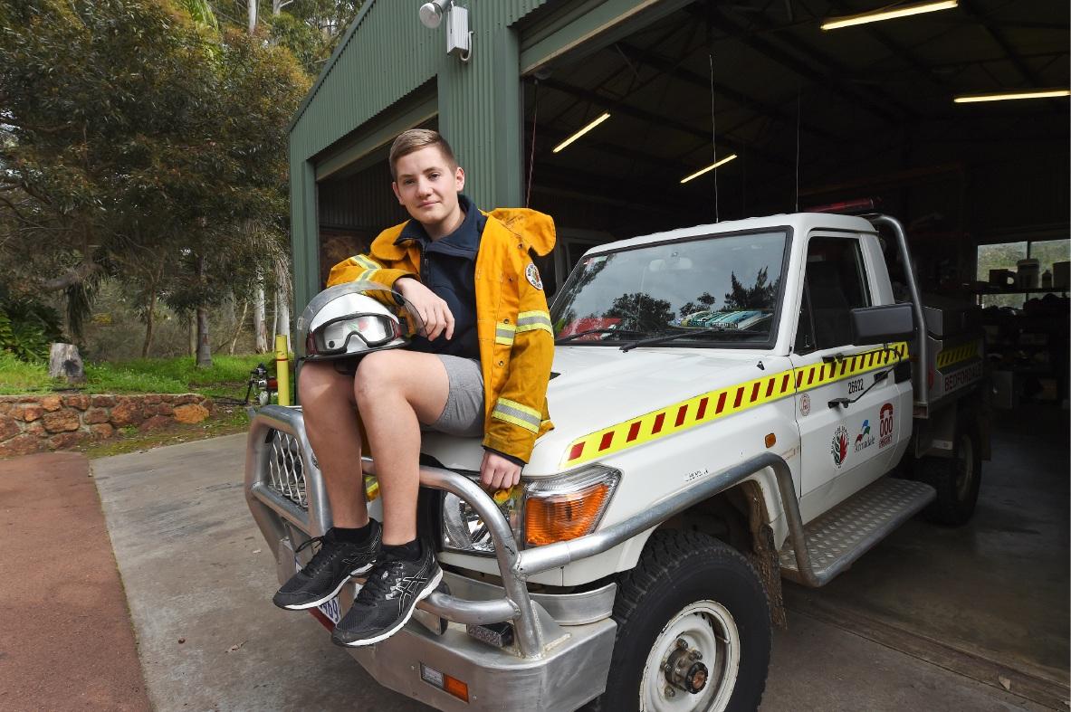 15yo Bedfordale fire cadet wins volunteering award