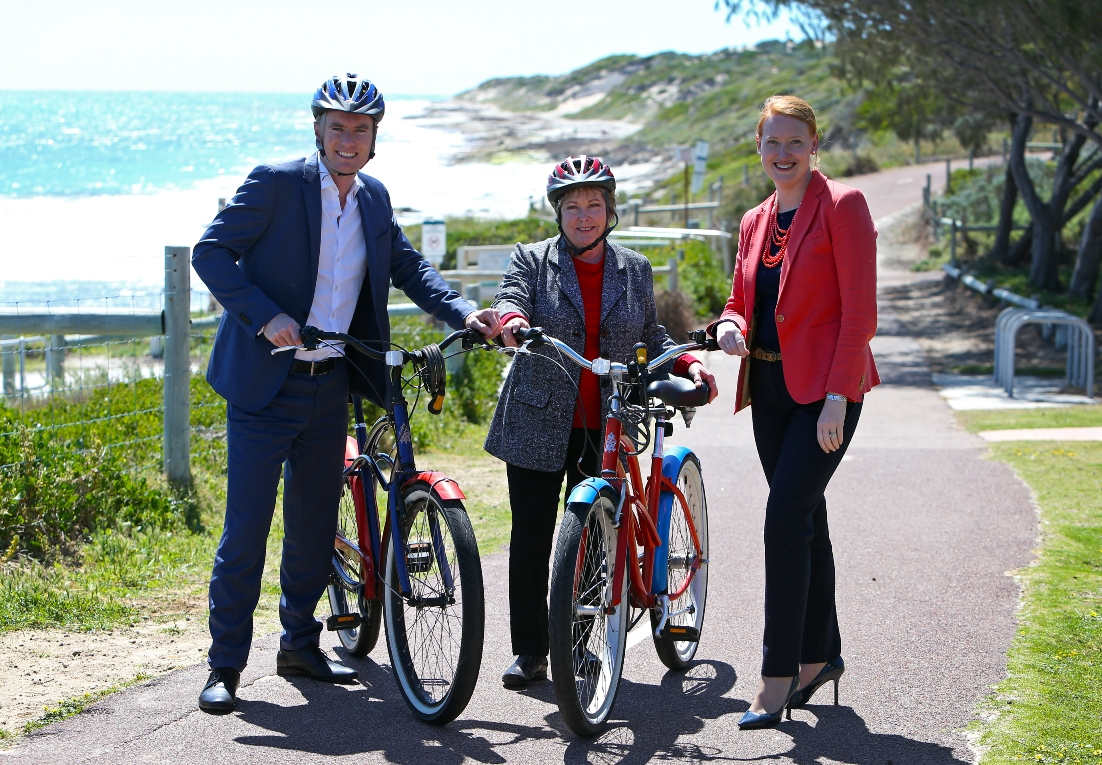 Ocean Reef MLA Albert Jacob, City of Joondalup councillor Kerry Hollywood with Planning Minister Donna Faragher meet in Burns Beach to discuss funding for a coastal path. Picture: Matt Jelonek d460529
