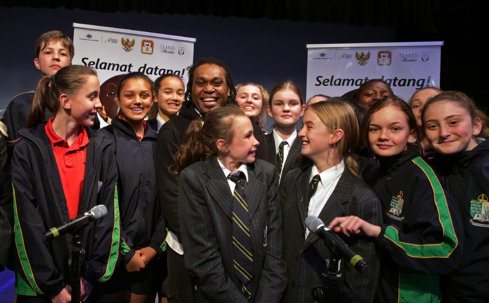Indonesian musician Michael Jakarimilena gives special performance at Peter Moyes Anglican Community School