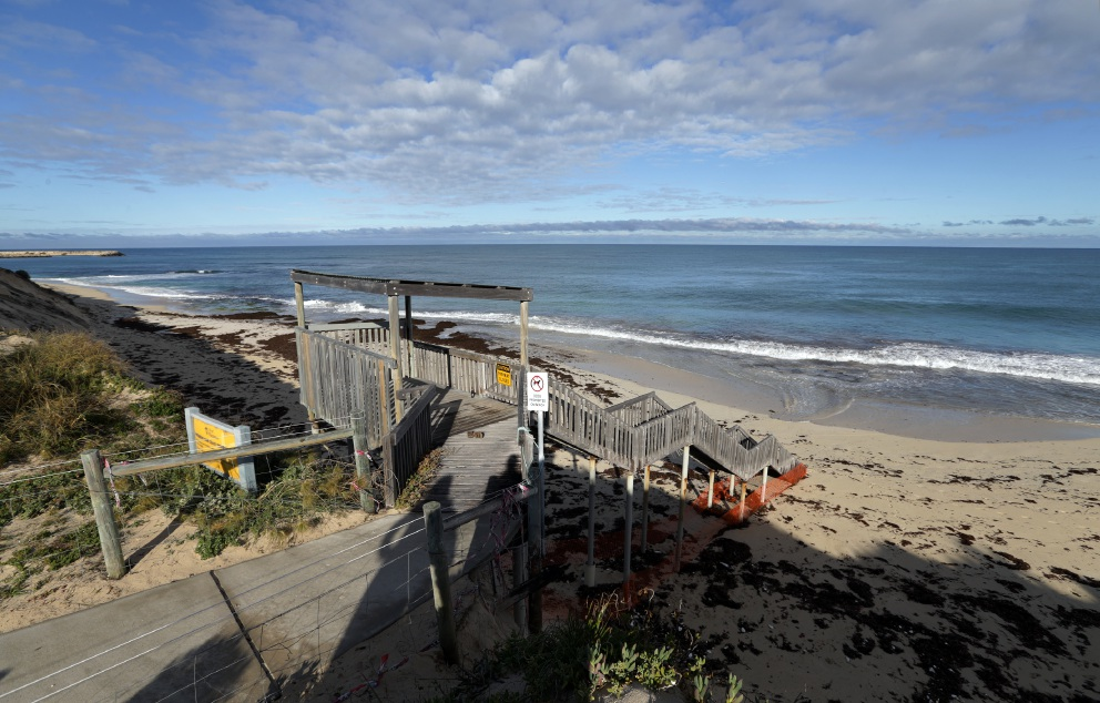 Petition calls for beach access stairs off Sovereign Drive to stay