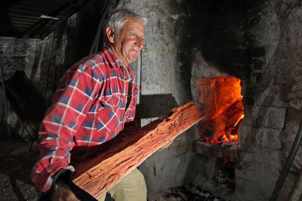 Stalwarts keep lime kiln fires burning