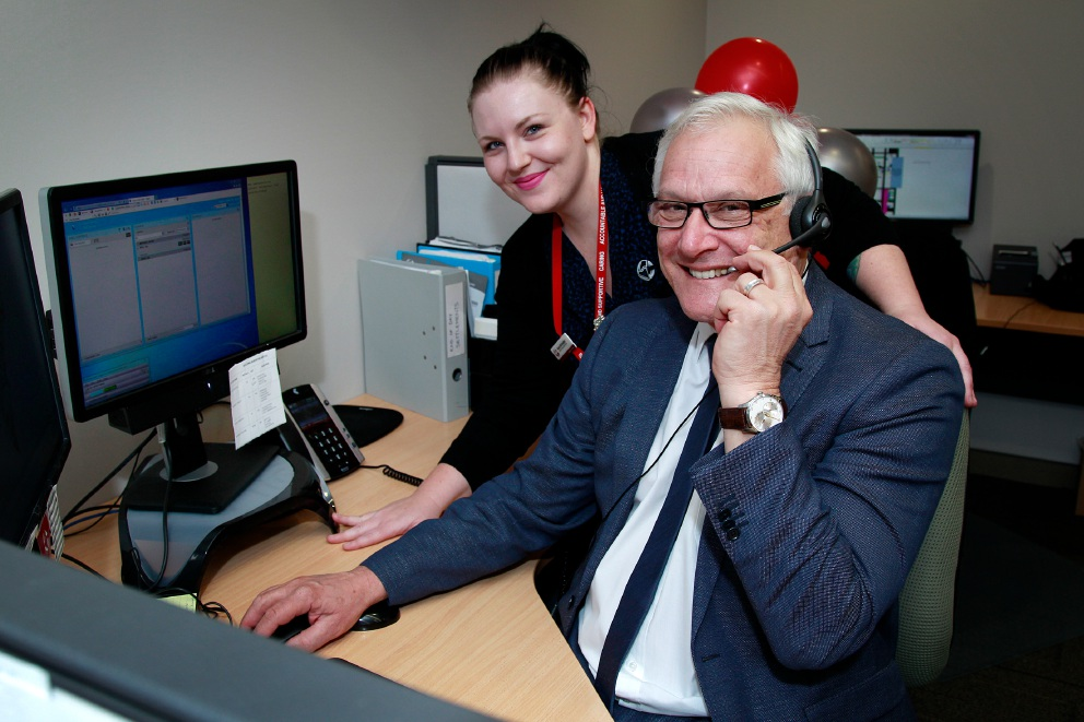 City of Canning Chief Executive takes turn manning the phones