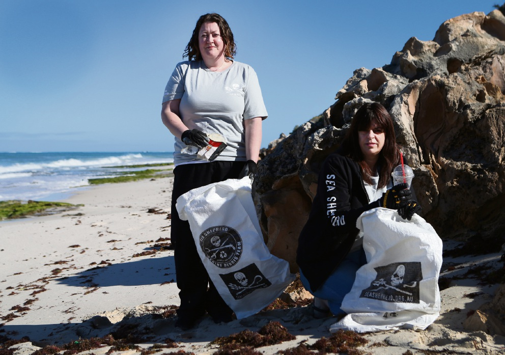 Gemma Hickey and Sharon Burke are part of the team for this weekend's beach clean-up. Picture: Matt Jelonek www.communitypix.com.au   d460535