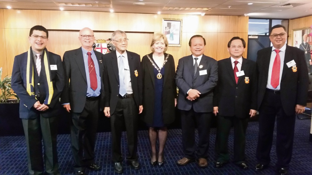 The Malaysian delegation, Perth's Lord Mayor Lisa Scaffidi and Port Kennedy JP Christopher Smith OAM (second from left).