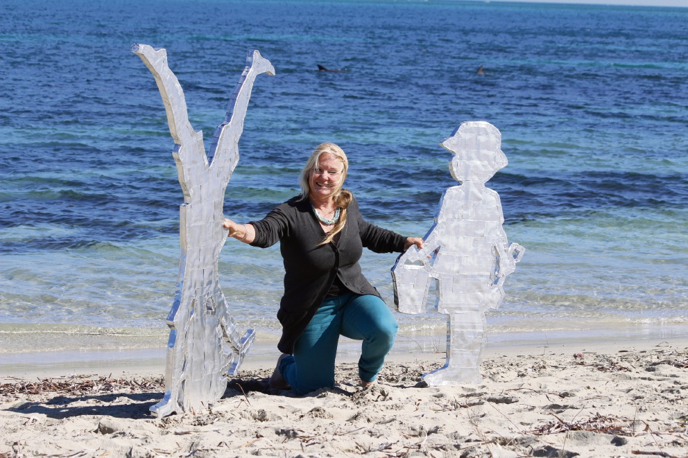 Castaways Sculpture Awards: last year's winner uses 'reflected memories' as inspiration for 2016 entry