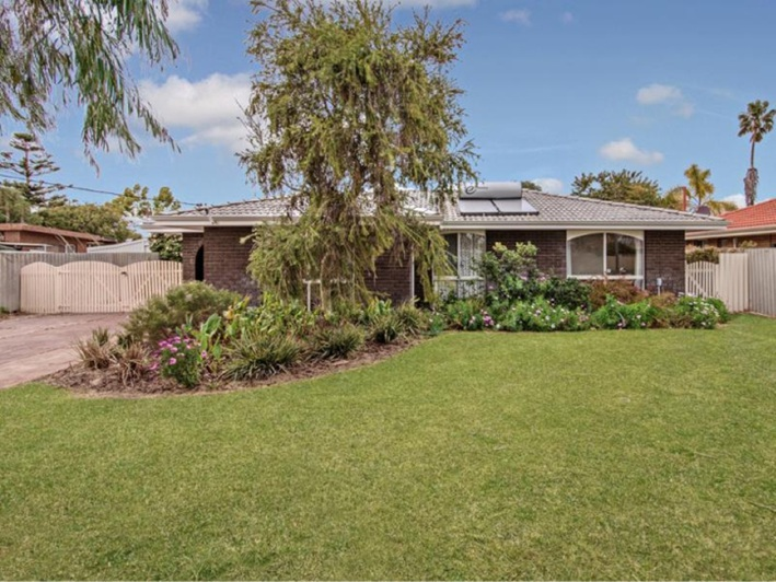 Cooloongup, 36 Park Drive – $299,000