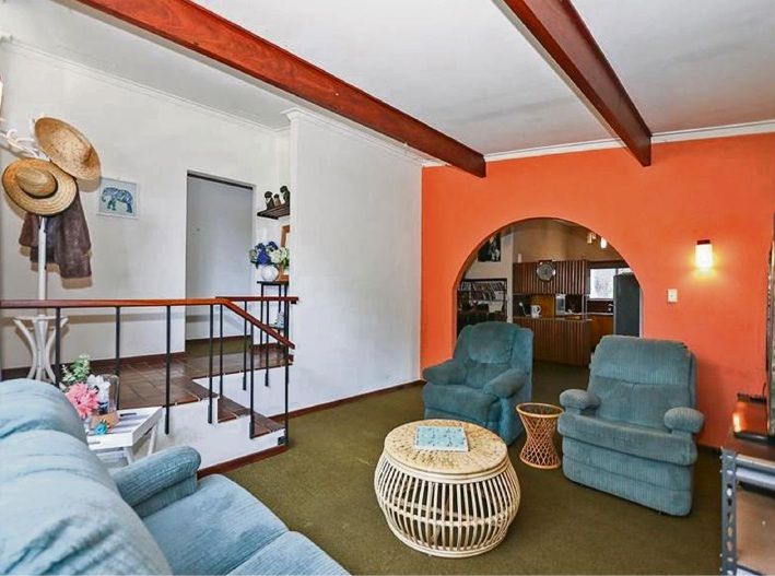 8 McBeth Way, Kardinya – $559,000