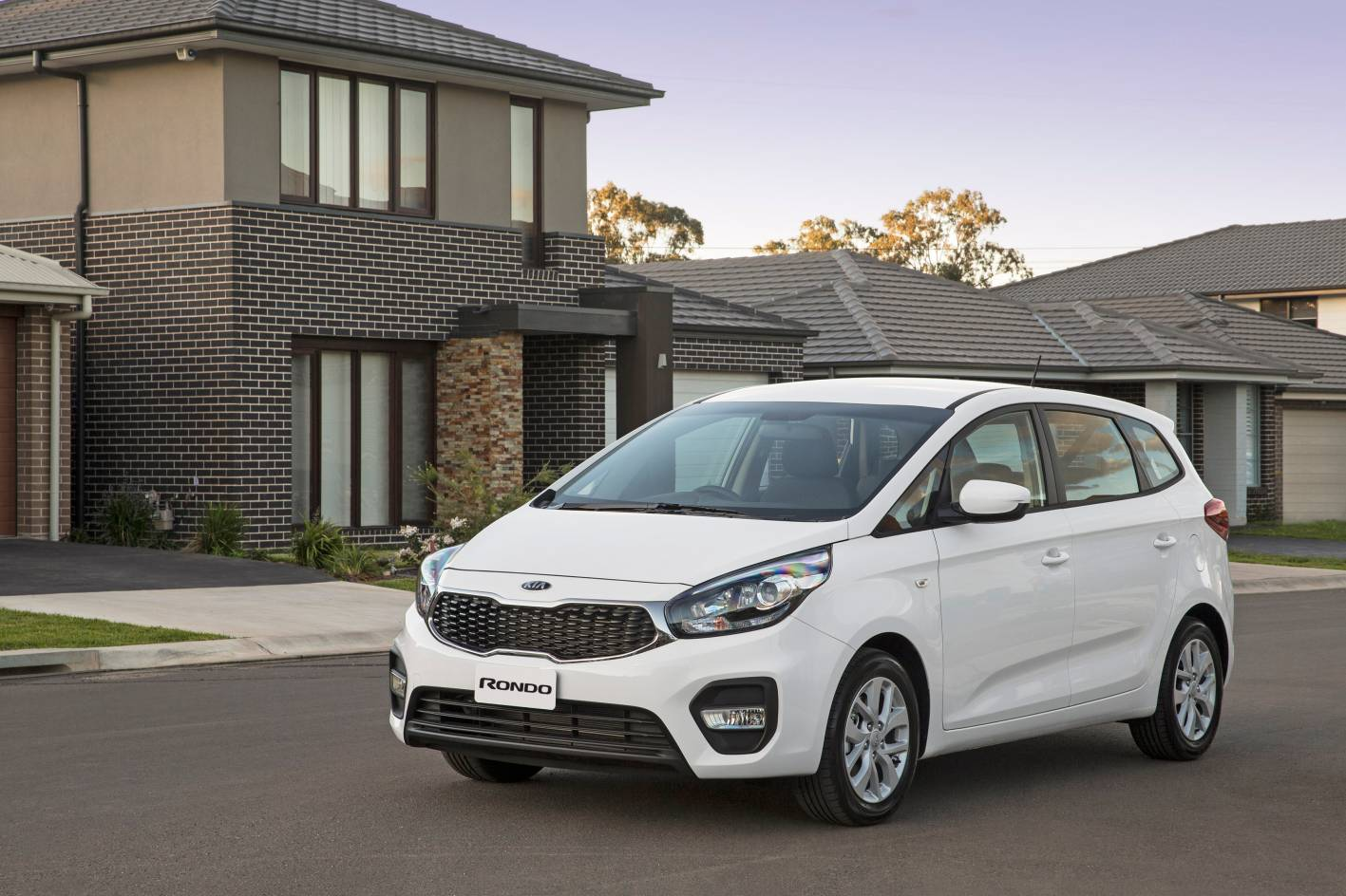 Kia Rondo adds new option