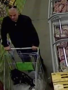 Rockingham detectives on the hunt for knife wielding Spud Shed thief