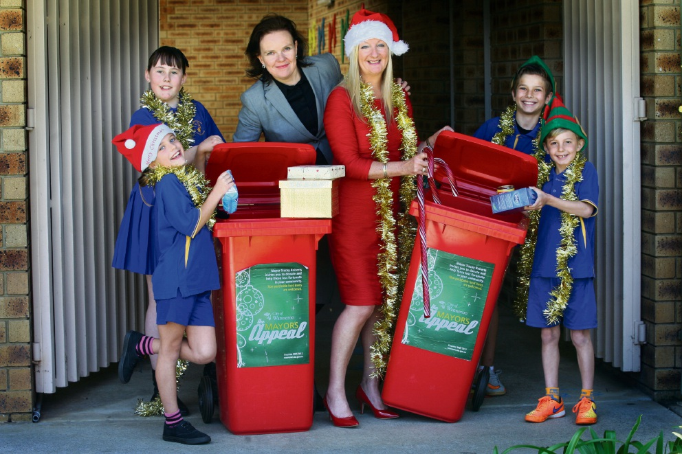 Klaudia Houlis, Taylor Rogers, Stefan Houlis and Fletcher Hasson with Marangaroo Primary School principal Nicole Hanna and Wanneroo Mayor Tracey Roberts. Picture: Bruce Hunt