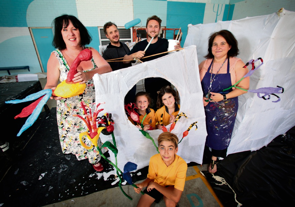 Artists Paula Hart, Roly Skender, Chris Nixon and Kylie Barr with Jessica Green, Mia Atkinson-Phillips and Kyran Baptiste-Jones. Picture: David Baylis    d461143