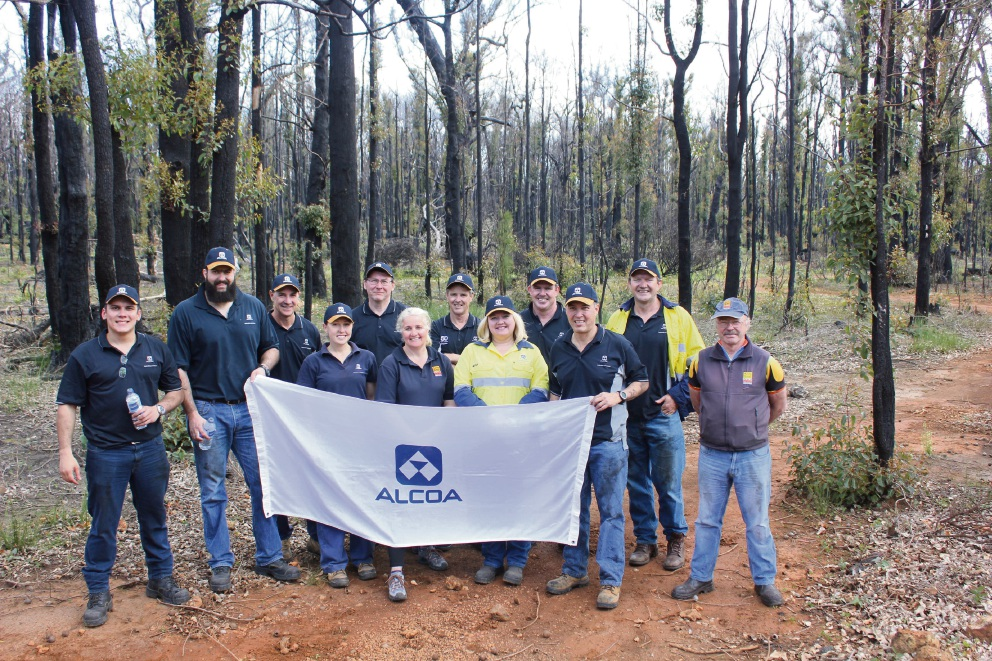 Alcoa employees volunteered on the Munda Biddi Trail to restore a section of the trail after the January Yarloop Waroona bushfires.