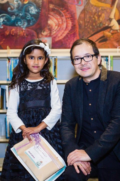 Award finalist Lehansa Attapaththu with Perth born artist and award patron Shaun Tan.