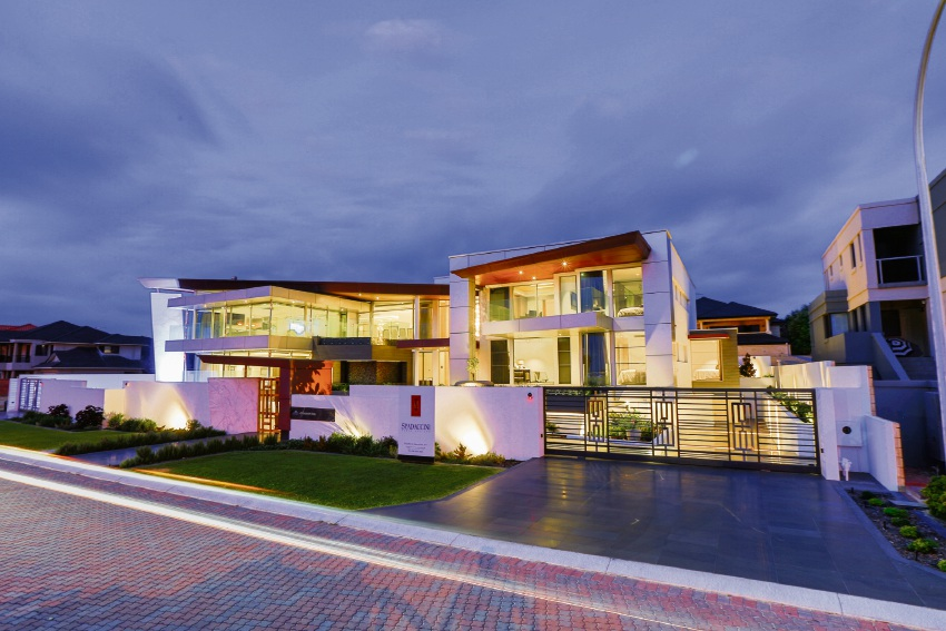 Sorrento house named the Perth Home of the Year at HIA Perth Housing Awards