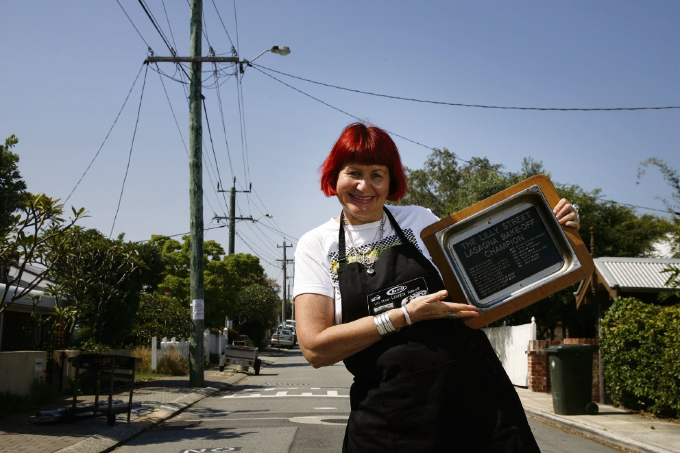 Lilly Street resident Jenny Baker with the champion's bake tin. Picture: Marie Nirme d446144