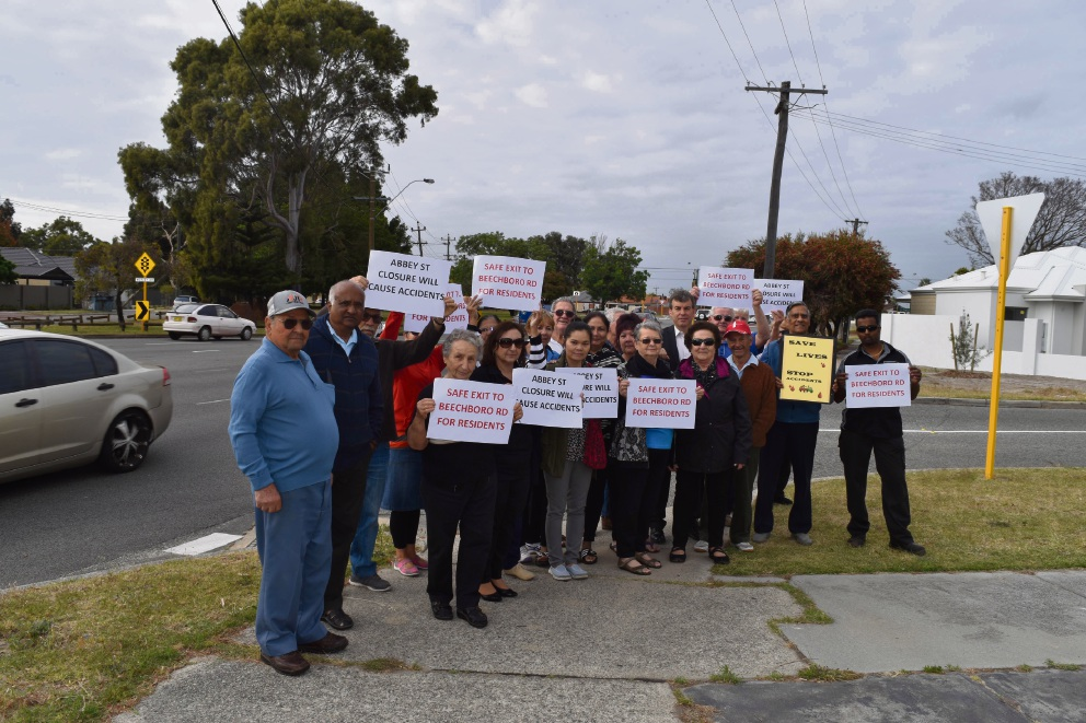 Hamersley Ave and Beechboro Rd North intersection: parties keep