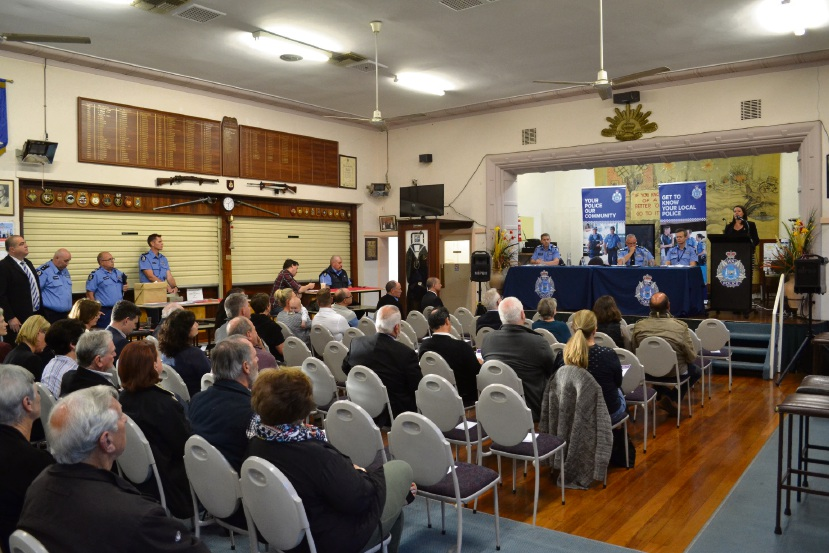 Close to 50 concerned residents packed into the Bicton-Palmyra RSL  Club for a community law and order forum on Thursday.