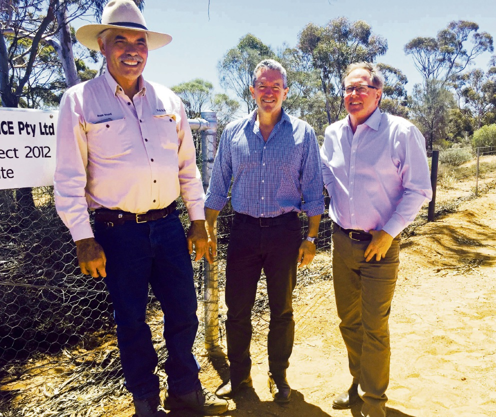 Kalgoorlie Pastoral Alliance member Ross Woods met with  ministers Terry Redman and Mark Lewis to launch the WA Wild Dog Action Plan.