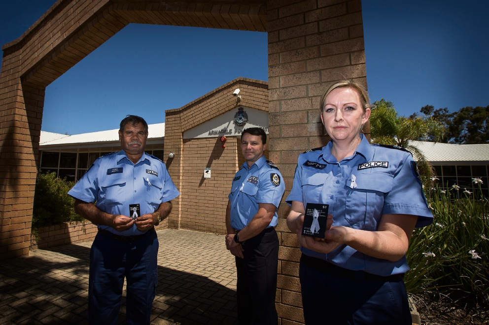 Senior Aboriginal Police Liaison Harold Humes, Senior Sergeant Glenn Spencer and Senior Constable Prue Foulkes.  Picture: Will Russell www.communitypix.com.au   d461944