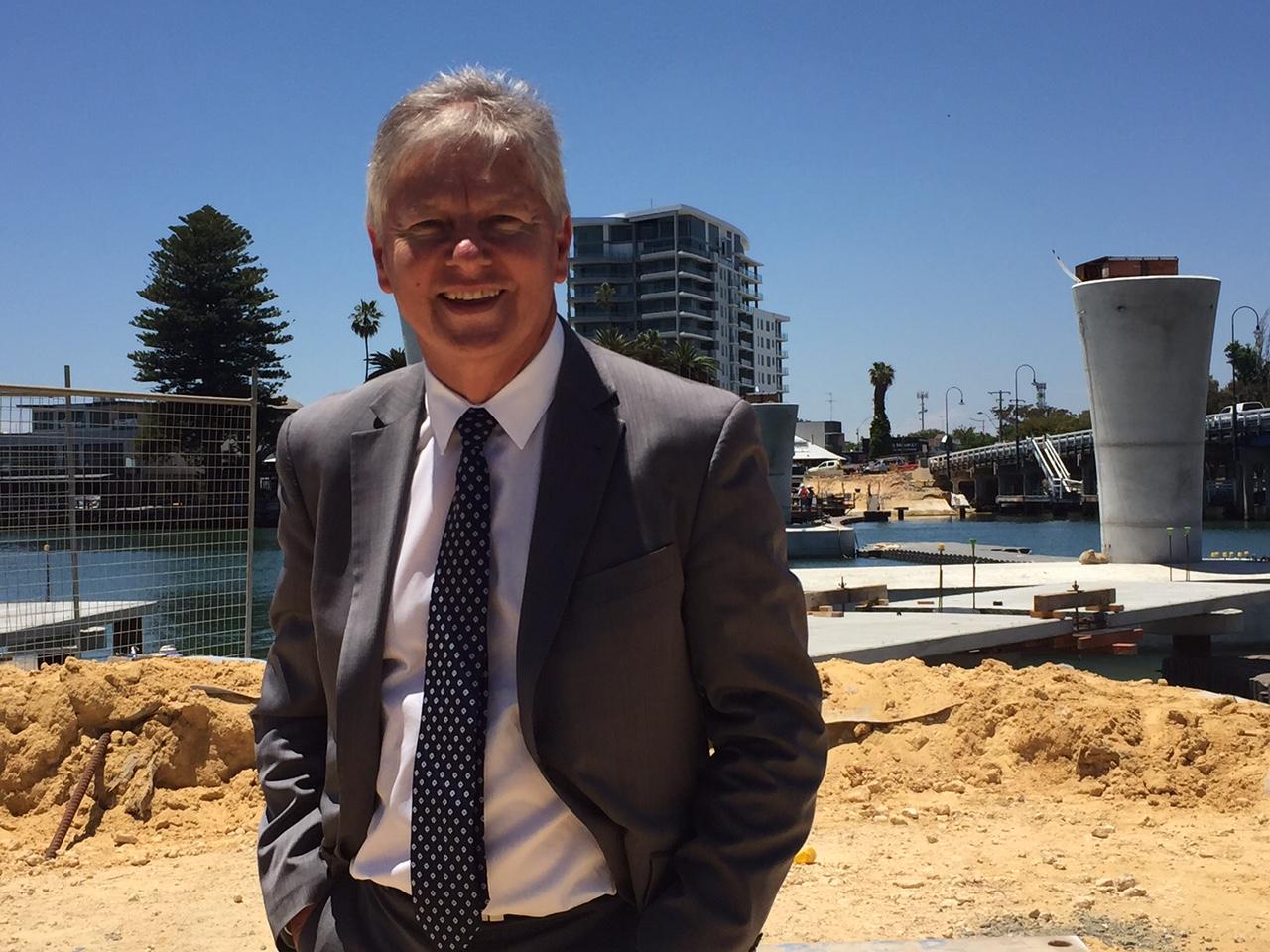 Transport Minister Bill Marmion viewed progress of the new Mandurah traffic bridge today.