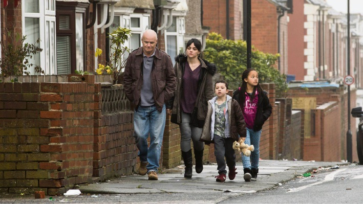 Dave Johns, Hayley Squires, Dylan McKiernan and Briana Shann in I, Daniel Blake.