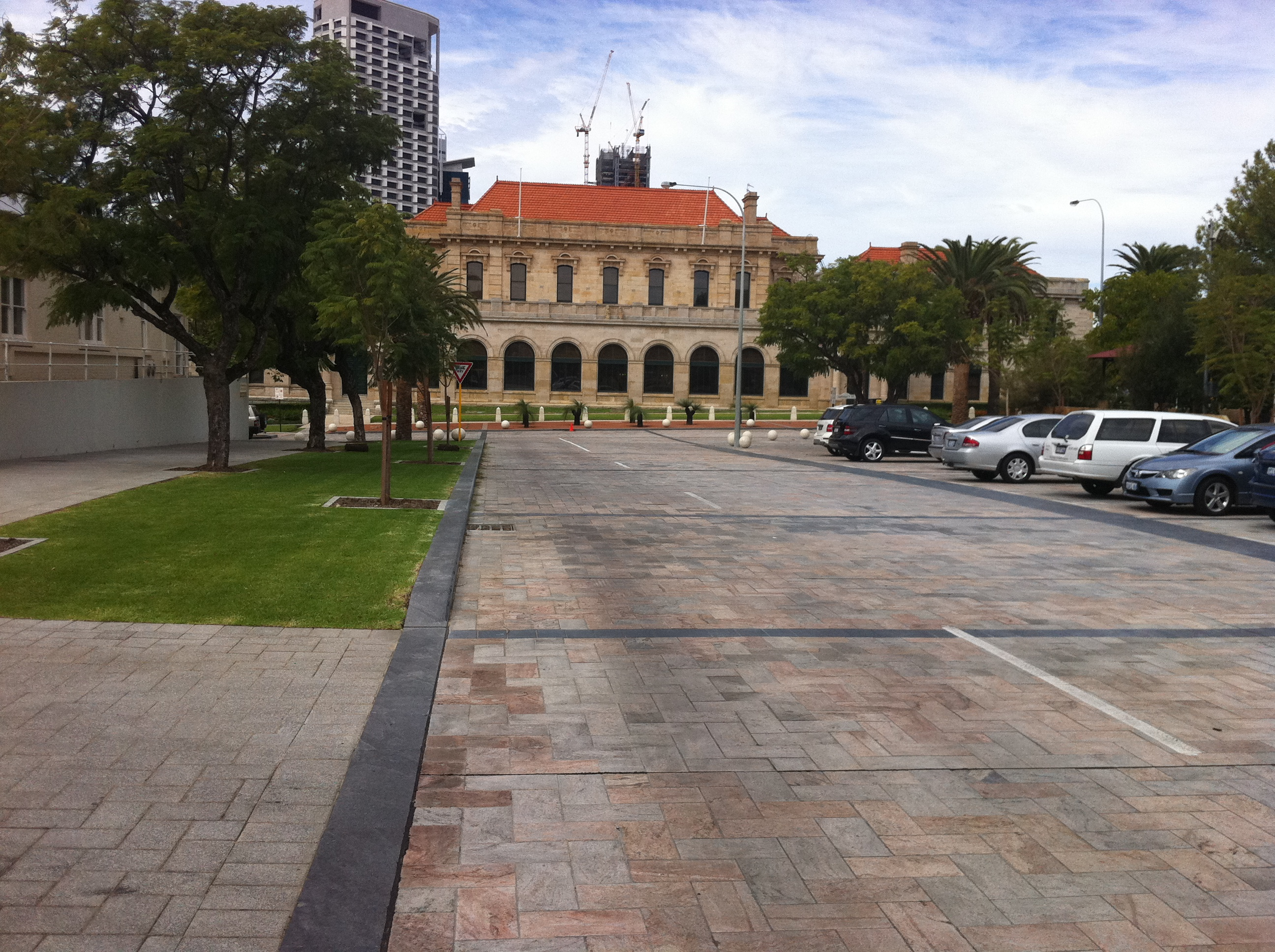 City of Perth to replace Parliament Pl and Harvest Tce pavers with bitumen