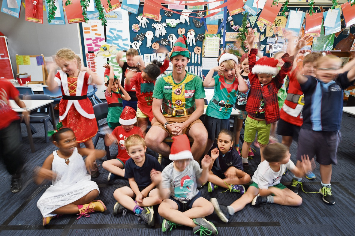 Mark McClements celebrates his award with his Year 1 class at Challis Community Primary School. Picture: Jon Hewson www.communitypix.com.au   d462861