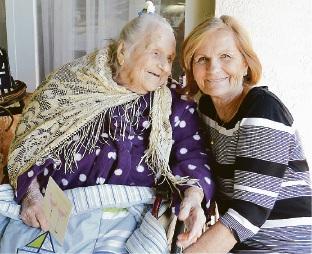 Vera Liepa with her daughter Rasma.