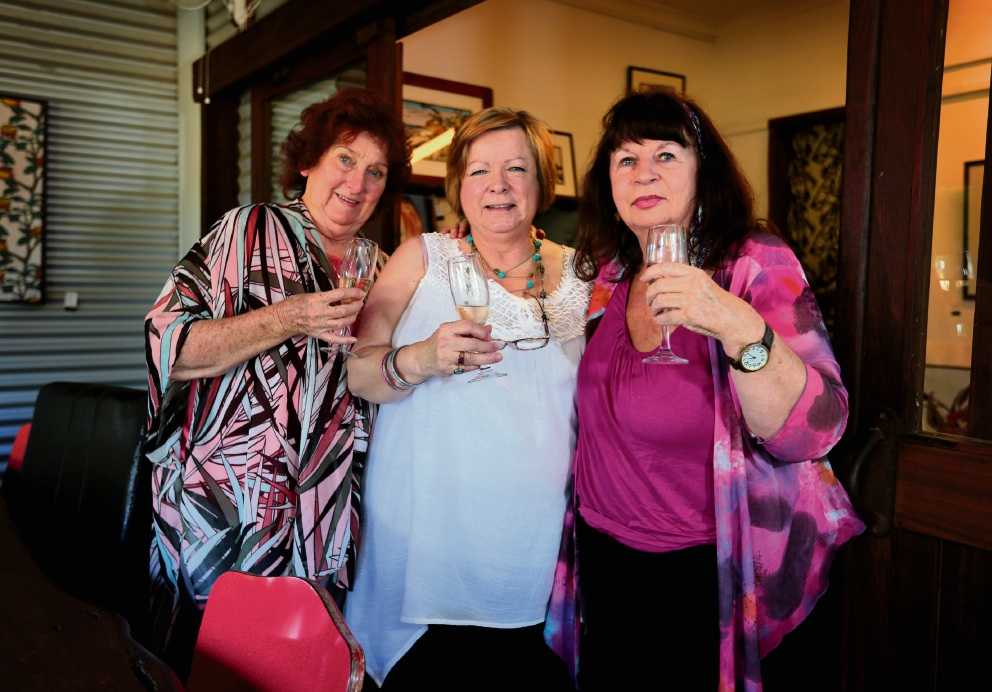 Garrick Theatre life members enjoy catching up