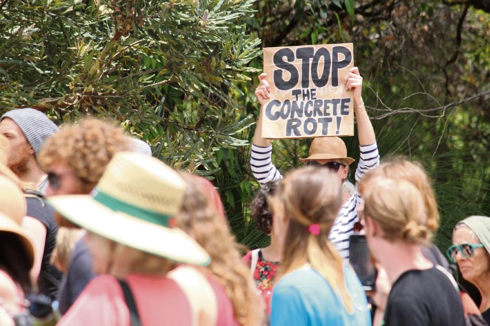Roe 8 protestors near Malvolvio Road in Coolbellup.