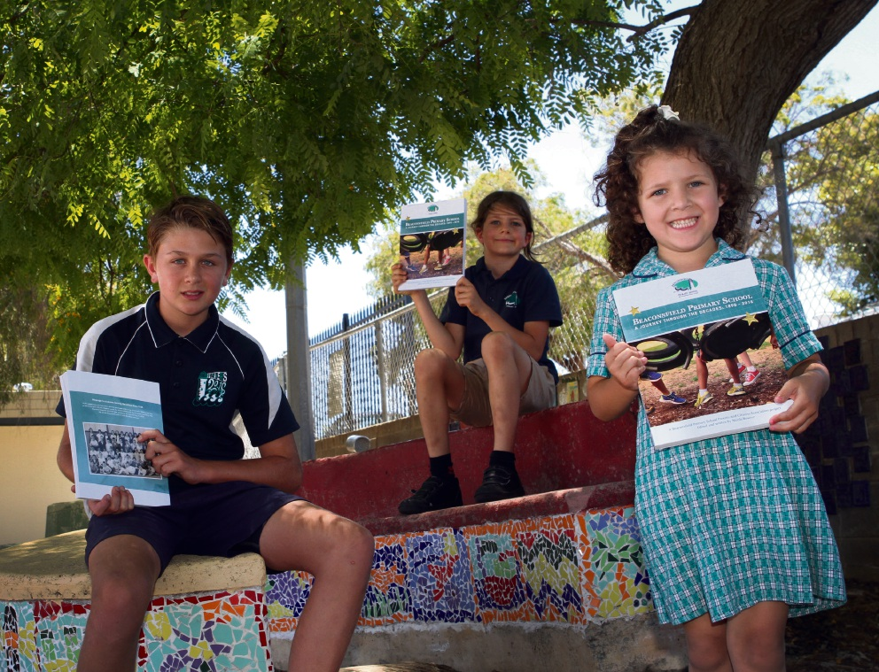 Beaconsfield Primary School students Luke Bowyer, Luca Primus and Lola Ramirez.. Picture: Robin Kornet           d463240