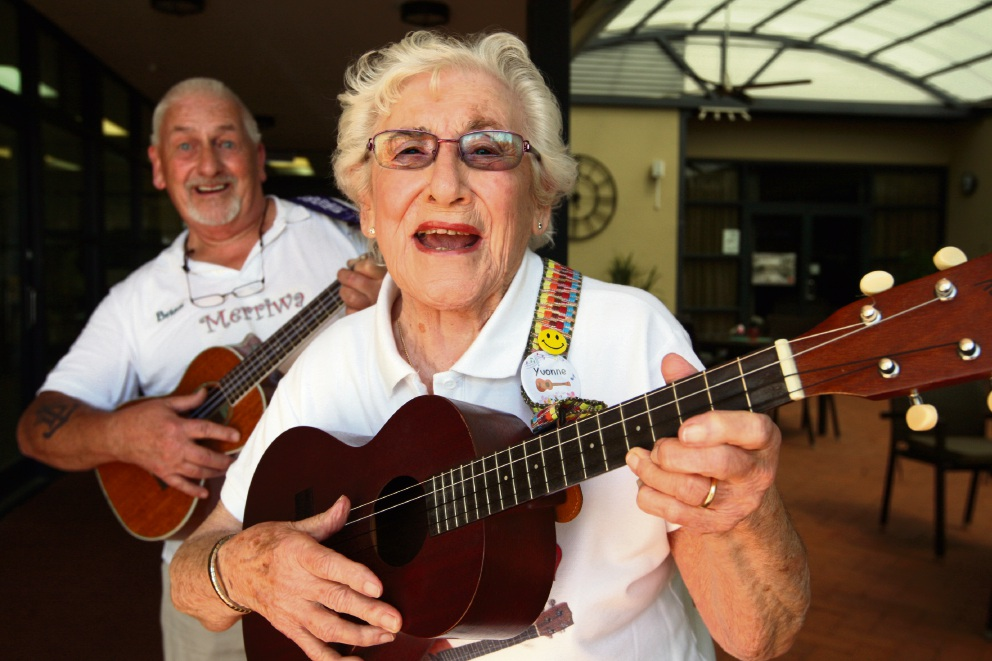 Merriwa Ukulele Club: Yvonne using music to stay young at heart
